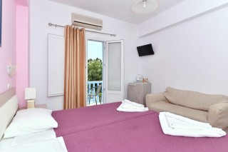 double room villa katerina bed
